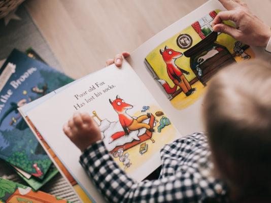 Pourquoi aller à la bibliothèque avec son enfant
